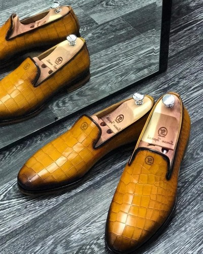 Gold Handmade Calf Leather Bespoke Shoes by
