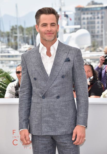 Chris Pine in Double Breasted Blazer
