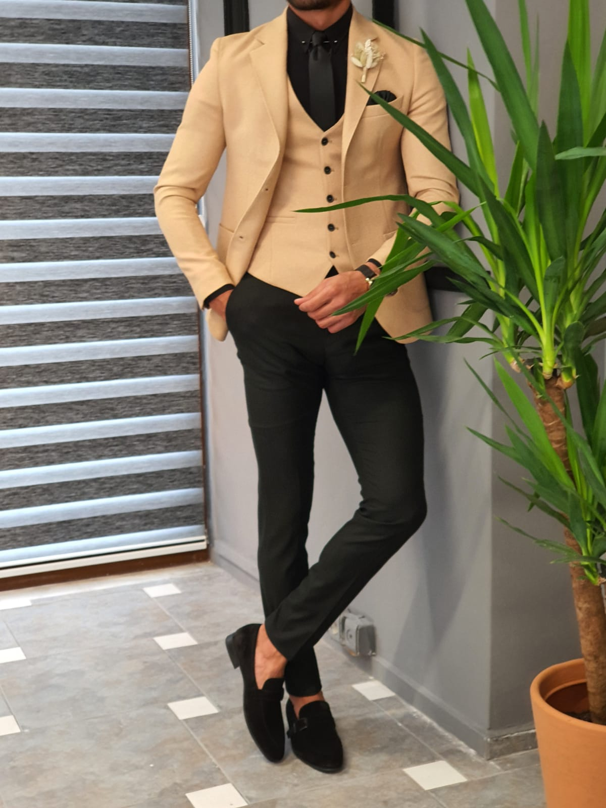 Here is What Guys Should Wear to Every Kind of Summer Weddings by GentWith Blog