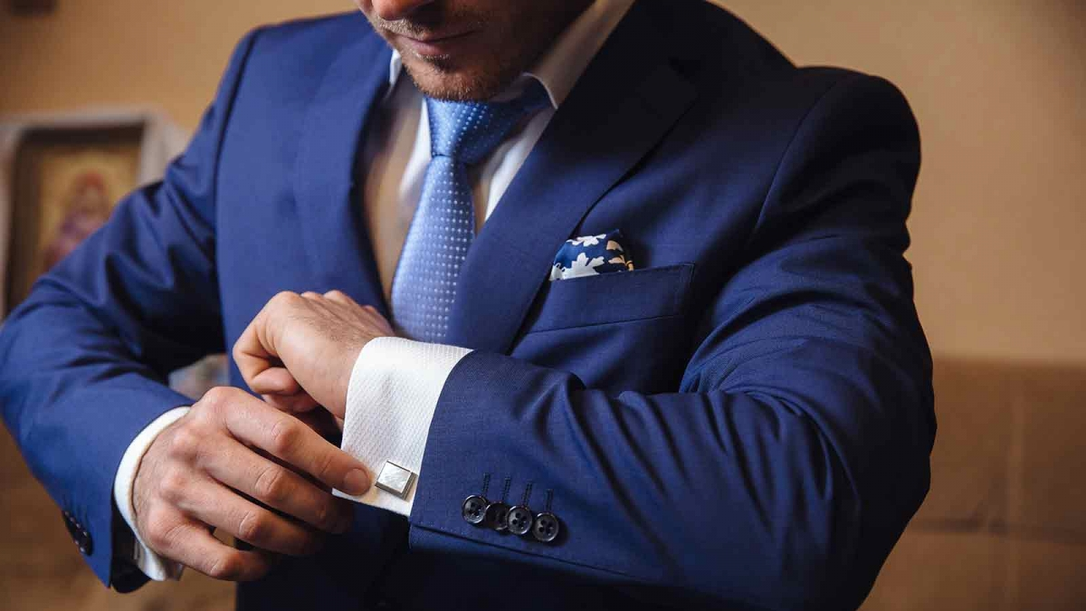 Everything You Need To Know Before Buying a Suit Online