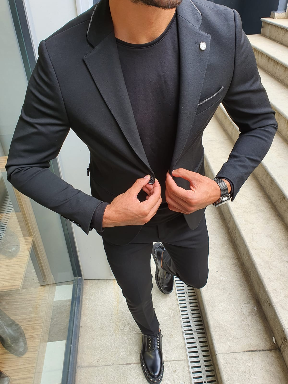 A Suit Without A Tie Will Earn You the Sharpest Casual Look by GentWith Blog