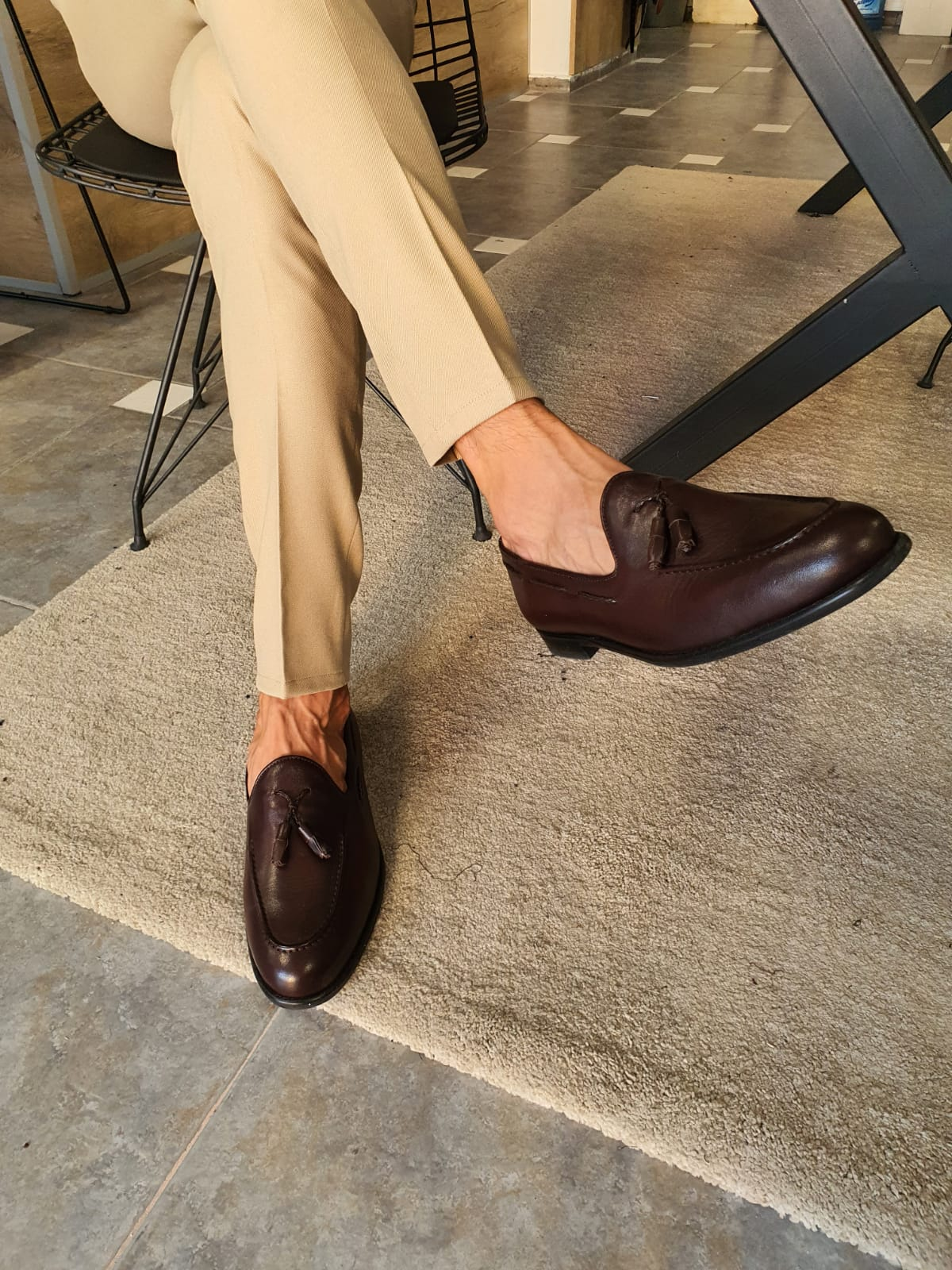 How To Rock Shoes Without Socks If You Want To Look Like a Sartorial King by GentWith Blog