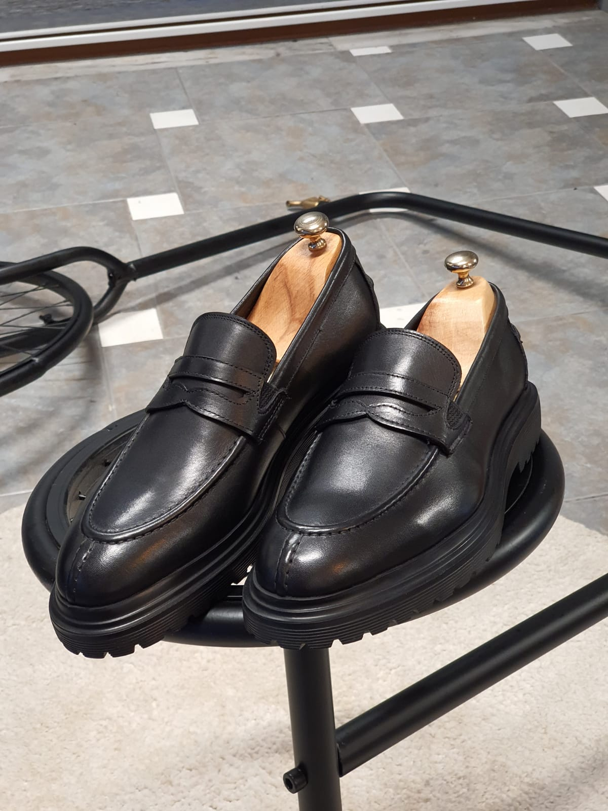 A Guide To Men's Shoe Colour Combinations by GentWith Blog